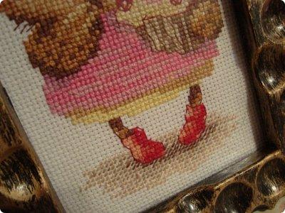 Добрый день дорогие гости и жители нашей Страны!!! Вот решила показать вам вышивку, которую сделала одному замечательному человечку нашей Страны!!! Совушка с пироженкой!!!  фото 4