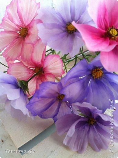 Добрый день, дорогие мастерицы! Выкладываю на ваше обсуждение мои вымученные цветы! Лепила их и занималась самоедством!  Всем была недовольна! И формой и цветом и тд... Но в итого.... понравилось. Фото много..... фото 18