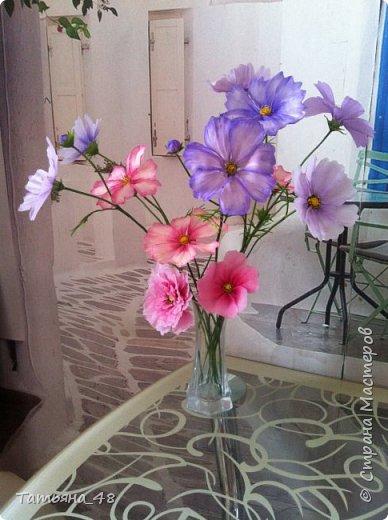 Добрый день, дорогие мастерицы! Выкладываю на ваше обсуждение мои вымученные цветы! Лепила их и занималась самоедством!  Всем была недовольна! И формой и цветом и тд... Но в итого.... понравилось. Фото много..... фото 11