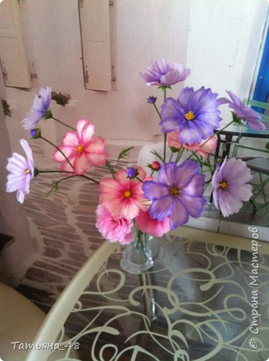 Добрый день, дорогие мастерицы! Выкладываю на ваше обсуждение мои вымученные цветы! Лепила их и занималась самоедством!  Всем была недовольна! И формой и цветом и тд... Но в итого.... понравилось. Фото много..... фото 10