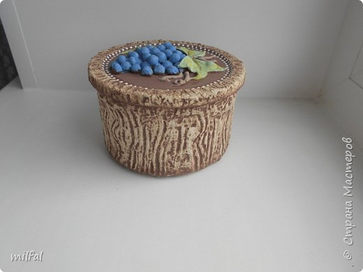 Ваза из картонной трубы. Материалы: шпаклёвка с гипсом,солёное тесто,клей,краски,лак акриловый. фото 10