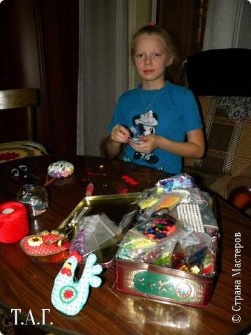 Приезжала в гости племянница Марина. Увидела мои новые поделки и изъявила желание сшить свою елочную игрушку. фото 5