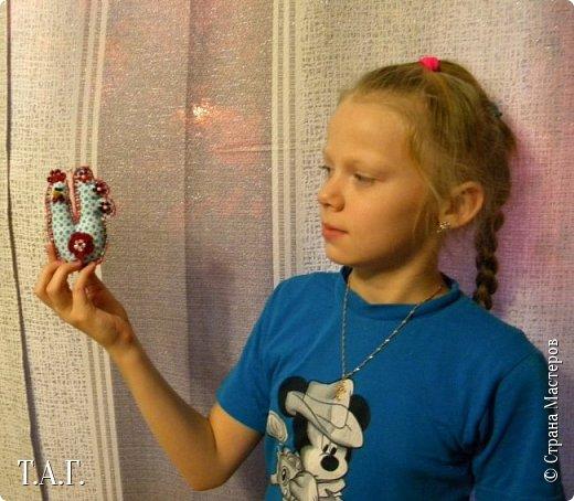 Приезжала в гости племянница Марина. Увидела мои новые поделки и изъявила желание сшить свою елочную игрушку. фото 6