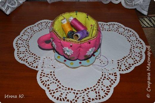 Добрый день,уважаемые жители,а также гости Страны Мастеров!На днях,у моей подруги День рождение.Она увлекается шитьём,и я решила сделать ей такую чашку-игольницу. фото 2