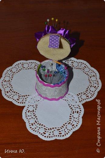 Добрый день,уважаемые жители,а также гости Страны Мастеров!На днях,у моей подруги День рождение.Она увлекается шитьём,и я решила сделать ей такую чашку-игольницу. фото 6