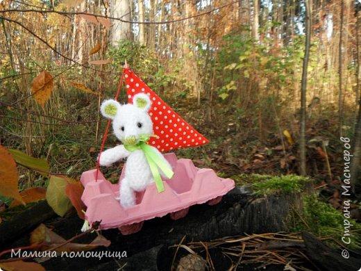 Всем привет! Навязала несколько игрушек на продажу. Оказались дочке моей они очень нужны)). Покажу что связала с ссылками на МК. Лис-художник http://kumutushka.blogspot.ru/2014/10/blog-post.html фото 4