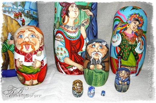 """Набор из 10ти шт высотой 25 см. на тему повести М. Гоголя """" Ночь перед рождеством!"""" Такой вот заказ мне пришлось выполнить...  Иллюстрации нашла в инете и они мне очень понравились.Иллюстратор Ольга Ионайтис. По ее иллюстрациям я выполнила первые 3 матрешки. фото 2"""