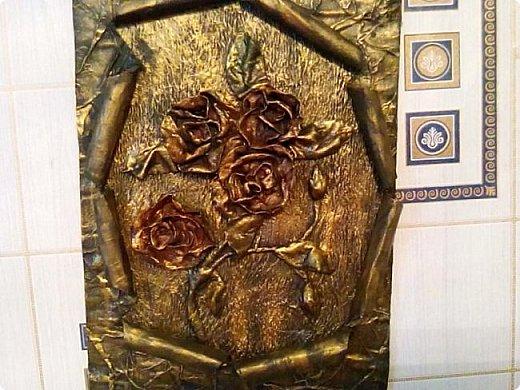 Розы сделаны из ваты, рамка из газеты.  фото 1