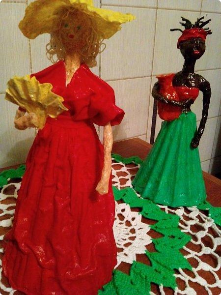 Мои первые куклы. Сделаны из газетных трубочек и туалетной бумаги. фото 3