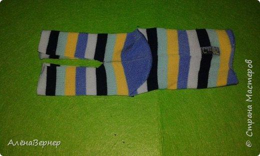Материал: носок , ножницы, нитки и игла, крупа ( горох и рис), ватин, пуговицы. фото 2