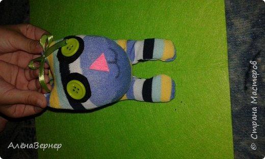 Материал: носок , ножницы, нитки и игла, крупа ( горох и рис), ватин, пуговицы. фото 11