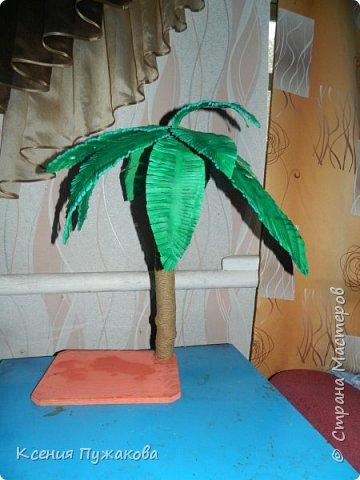 Пальма из бревна и потолочной плитки фото 2