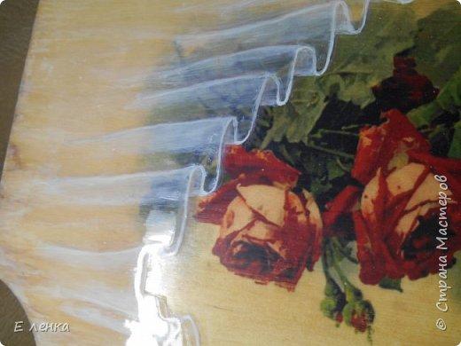 Вешалка для полотеничка  сделана уже давно, но никак не хотела фотографироваться)) Не получалось у меня передать на фото матовость роз на стене и блеск, а так же объём воздушной органзы. Вот вчера вроде срослось))) фото 2