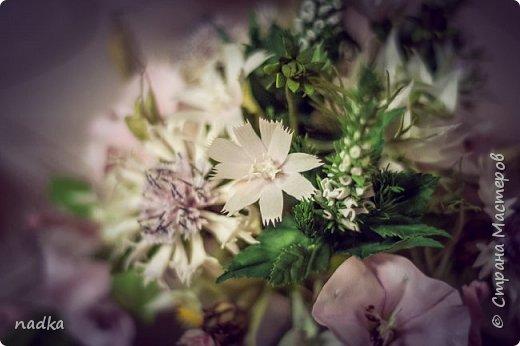 наконец-то закончила свой финальный проект в рамках Перезагрузки 2,0. + дополнила нигеллами по мк Мурзилки. Все цветы, кроме вероники и бутонов васильков - зефирный фом фото 3