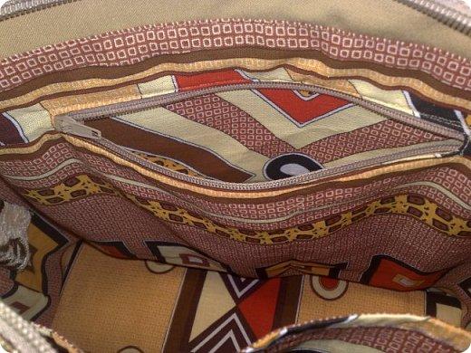 Я по порядку: как шила, так и показываю. Вот очередная сумка, сшила из обрезков мебельной ткани: верх и низ из разных кусочков, но по-моему они дружат. фото 5