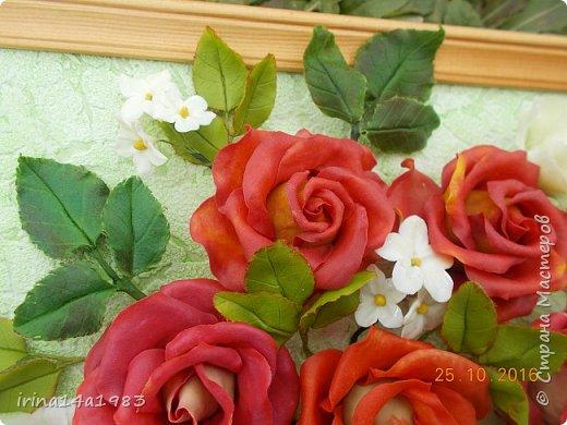 Всем добрый день!!!! И снова у меня розы(набиваю руку). Все розы двуцветные, кроме самой темной. Спасибо Наталье Бурцевой, впервые увидела у нее. Но раскатываю лепестки по своему.  фото 10