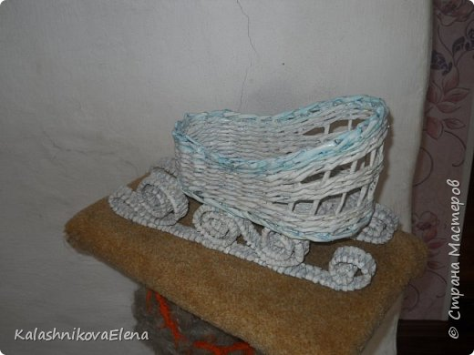 Плетение из газетной бумаги фото 19