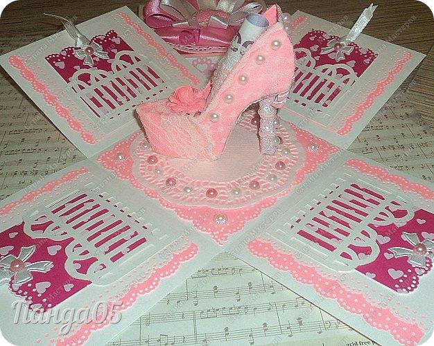 Здравствуйте всем!  Очередной заказ на Magic Box у меня образовался,ко дню рождения девушке 25 лет. Из пожеланий заказчицы был розовый цвет,календарик и туфелька. Итак,очередное дефиле)) фото 6