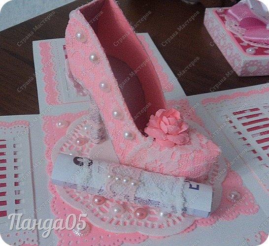 Здравствуйте всем!  Очередной заказ на Magic Box у меня образовался,ко дню рождения девушке 25 лет. Из пожеланий заказчицы был розовый цвет,календарик и туфелька. Итак,очередное дефиле)) фото 8