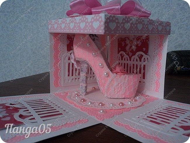 Здравствуйте всем!  Очередной заказ на Magic Box у меня образовался,ко дню рождения девушке 25 лет. Из пожеланий заказчицы был розовый цвет,календарик и туфелька. Итак,очередное дефиле)) фото 4