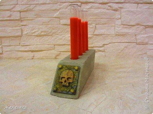 """Все привет! Скоро Хеллоуин решила сделать подставку для напитков в стиле""""вамп"""" из бетона.  Конечно получилось не так как хотелось, но как говорится методом проб и ошибок думаю приду к нужному результату.  фото 9"""