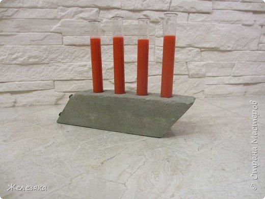 """Все привет! Скоро Хеллоуин решила сделать подставку для напитков в стиле""""вамп"""" из бетона.  Конечно получилось не так как хотелось, но как говорится методом проб и ошибок думаю приду к нужному результату.  фото 6"""