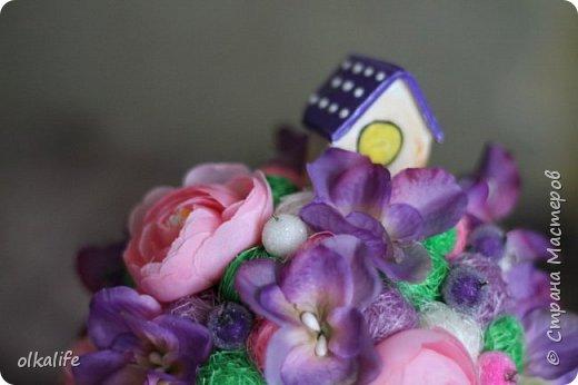 """После долгого ничего не деланья,ко мне пришла моя двоюродная сестра с просьбой сделать топиарии,красиво и удешивить процесс)))У её мамы(моей тёти) юбилей тематический """"Сад"""" Она вроде как садовница(но она по жизни садовница),гости должны были одеть на себя какой то цветок  и сестра на память решила сделать подарки на память от юбиляра.Так как это садовница подарки сестра придумала топиарчики.)))В семье руками что то делаю только я ,вот и попросила меня)))Я конечно не могла отказать и принялась  за работу.В каждую семью по топику. .Делала их разными.Не все сфоткала. фото 7"""