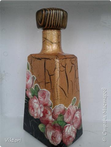 Добрый день всем! Вот сотворила на заказ бутылку. Пробка была интересная - деревянная и лакированная. Я на ней сотворила браш.))) фото 3