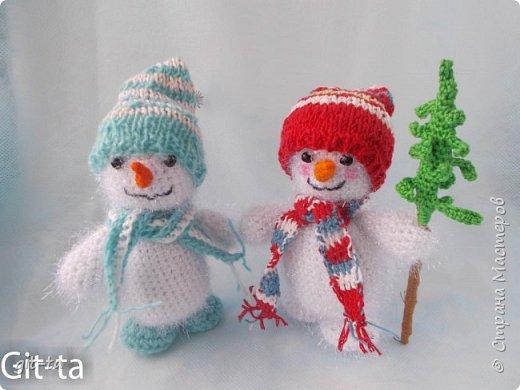 Скоро зима, и Новый Год, и ёлка, и подарки... Готовлю сувениры к ярмарке. Первые, конено, снеговики фото 1