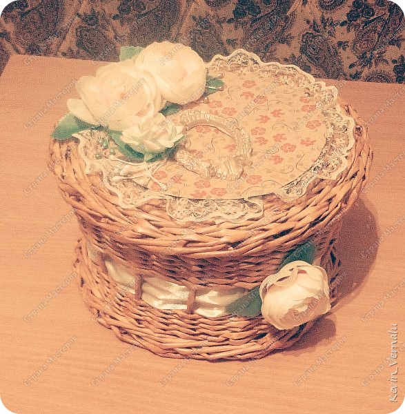 Соорудила для дарения конфет воспитательнице)Надеюсь понравится) фото 2