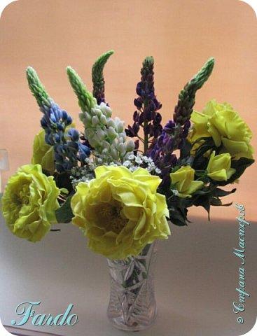 Староанглийские розы и люпин фото 4