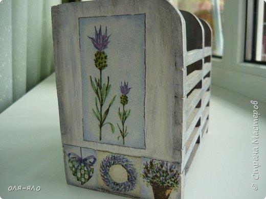 здравствуйте. сто лет ничего не выставляла.  исправляюсь.  сотворилась на кухню ещё парочка предметов.вот такая маленькая  деревянная плошечка, в ней лежит чеснок на столе. фото 4