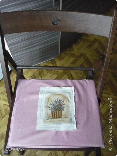 здравствуйте. сто лет ничего не выставляла.  исправляюсь.  сотворилась на кухню ещё парочка предметов.вот такая маленькая  деревянная плошечка, в ней лежит чеснок на столе. фото 7
