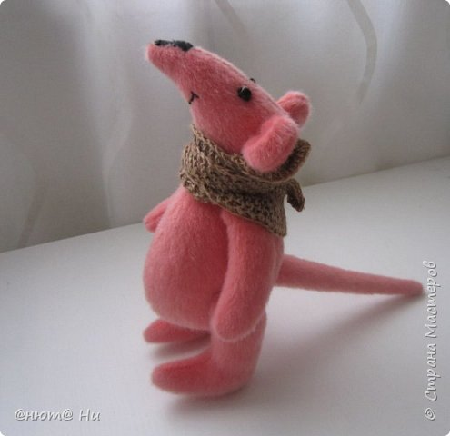 Давно хотела сшить мышку или крыску. И вот родилась Крысинда, позитивная такая тётенька, добрая и хозяйственная. фото 1