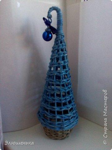Подготовка к новому году! Увидела в интернете, плела по фото, пользовалась вот этим мастер классом http://goldenerwidder.blogspot.ru/2015/02/blog-post_27.html?m=1  Новогодняя елка для конфет на подарок, думаю отличная идея. фото 3