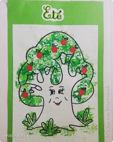 Крону деревьев делали  с отпечатками смятой бумаги. фото 4