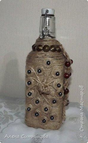 декор бутылки шпагатом и бусинами фото 3