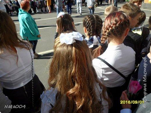 Дочушке к 1 сентября получился такой бантик на резиночке. фото 2