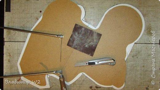 Материалы: Пластик, металл, папье-маше, лампы, краски, ПВА, винтики-болтики...  фото 15