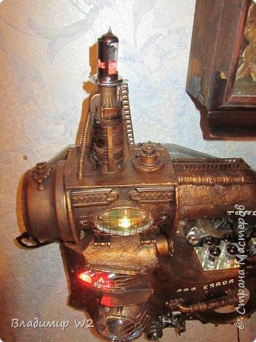 Материалы: Пластик, металл, папье-маше, лампы, краски, ПВА, винтики-болтики...  фото 33