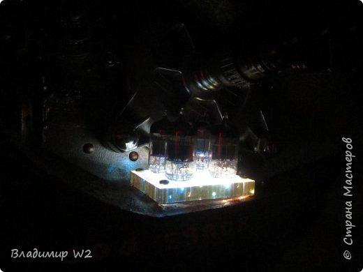 Материалы: Пластик, металл, папье-маше, лампы, краски, ПВА, винтики-болтики...  фото 30