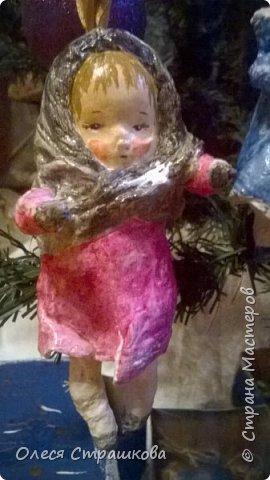 Здравствуй страна!  Хочу показать свои новогодние игрушечки  из ватного папье  маше на каркасе. Посвященные Новогодним утренникам. Пусть елочка радует глаз. У каждой игрушки своя душа и история. Каждую очень приятно держать в руках.  детки мои в восторге! фото 10