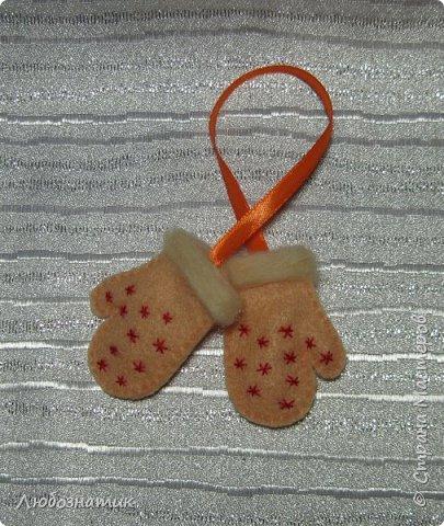 Здравствуйте! Представляю вашему вниманию новогодние игрушки и игрушки-магнитики из фетра. Сшиты по заказу дочери для школьной ярмарки (проводится дважды в год).   фото 11