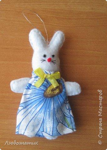 Здравствуйте! Представляю вашему вниманию новогодние игрушки и игрушки-магнитики из фетра. Сшиты по заказу дочери для школьной ярмарки (проводится дважды в год).   фото 18