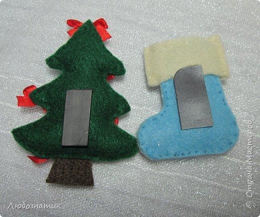 Здравствуйте! Представляю вашему вниманию новогодние игрушки и игрушки-магнитики из фетра. Сшиты по заказу дочери для школьной ярмарки (проводится дважды в год).   фото 6