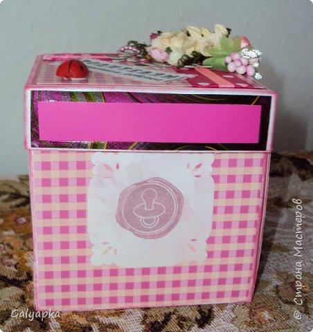 Моя вторая в жизни коробочка сделана по МК Alena090382 http://stranamasterov.ru/user/78960 Все надписи из Интернета. Картинки по бокам у этой коробочки сделаны штампами купленными мной на сайте Совместные покупки. фото 3