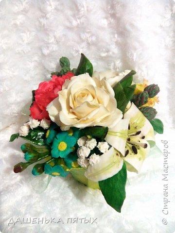Здравствуйте дорогие мастера и мастерицы.выставляю на ваш суд мою новую работу:-) В этот букет решила включить розу,пион,лилию и белый мак.не все конечно получилось как хотелось,но я только учусь:-)цветы учусь лепить по мастер-классам бесподобной Инны Голубевой.вот уж где талантище:-) фото 1