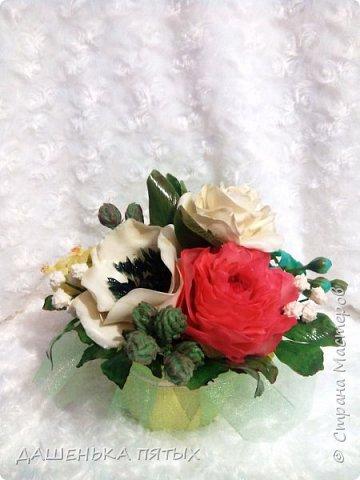 Здравствуйте дорогие мастера и мастерицы.выставляю на ваш суд мою новую работу:-) В этот букет решила включить розу,пион,лилию и белый мак.не все конечно получилось как хотелось,но я только учусь:-)цветы учусь лепить по мастер-классам бесподобной Инны Голубевой.вот уж где талантище:-) фото 3