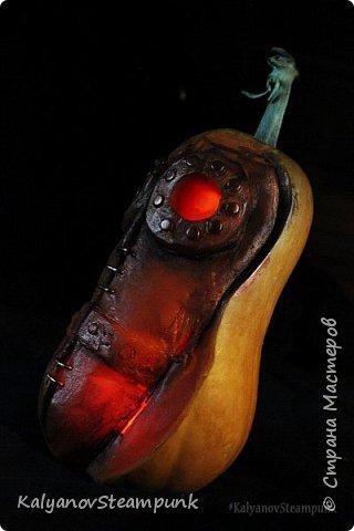 Видео мастер-класс: «Чумной доктор» из тыквы в стиле стимпанк на Halloween фото 1