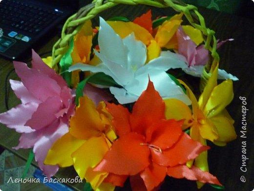 Корзина с лилиями  фото 2